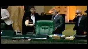 لحظه جلوس لاریجانی بر صندلی ریاست مجلس