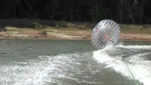 تفریح جالب موج سواری با ZORB BALL