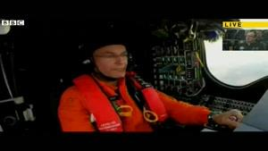 فیلم/ لحظه فرود آمدن هواپیمای خبرساز خورشیدی
