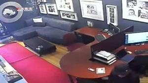 لپ تاپ دزدی که دوربین مداربسته را ندید!