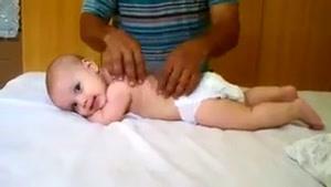 انجام ماساژ برای کودک