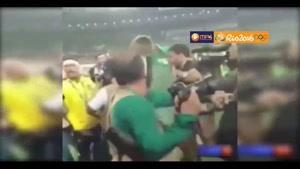 درگیری لفظی شدید نیمار با یکی از هواداران در فینال المپیک ریو 2016