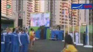 فیلم/ اهتزاز پرچم ایران در دهکده المپیک ریو