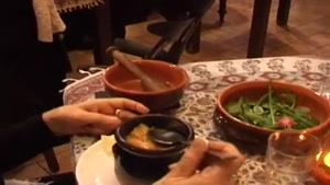 سرو ابگوشت در رستوران ایتالیایی