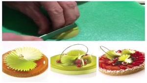 تزیین ژله و شیرینی با میوه