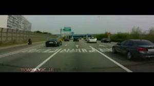 لحظه سقوط مرگبار موتورسیکلت از پلی بر روی اتوبان