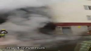 حادثه ای که امروز در شهرک سهند تبریز اتفاق افتاد. انفجار ۲ اتومبیل در پارکینگ ساختمان