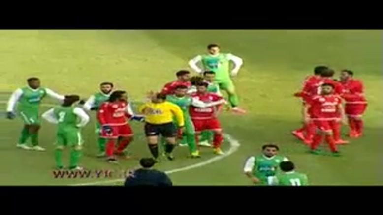 اشتباهات داوری در تنور داغ رقابتهای لیگ برتر