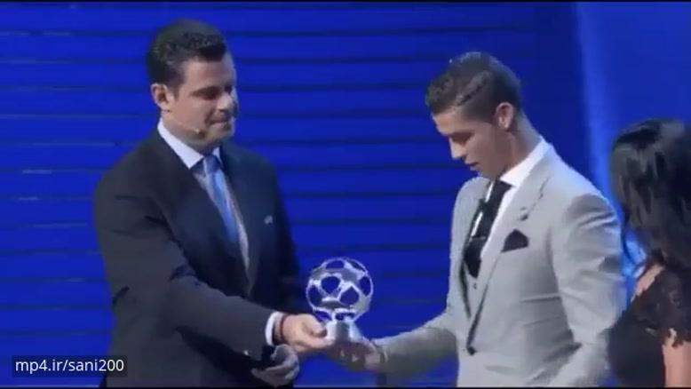تبریک مسی به رونالدو بعد از انتخاب به عنوان بهترین مهاجم لیگ قهرمانان اروپا