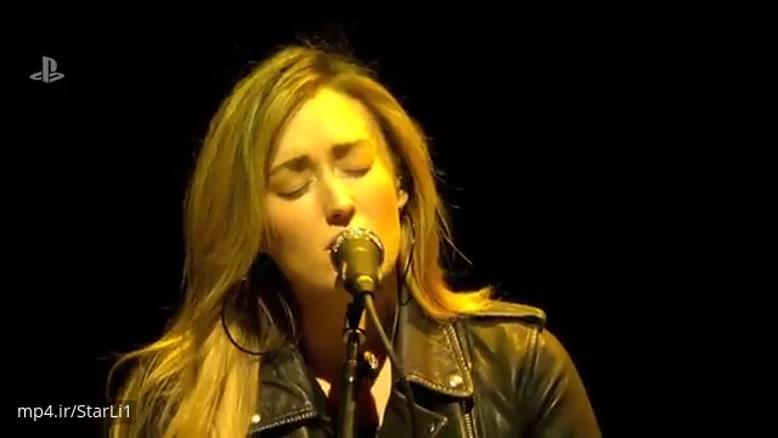 اجرای زندهی ترانهای زیبا از صداپیشههای الی و جول در The Last of Us Part II