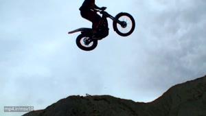 حرکات نمایشی با موتورسیکلت