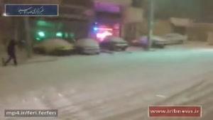 برف و صحنه تصادف دهها خودرو به علت عدم کنترل وسیله نقلیه/ خیابانی که گریزی برای برخورد وجود ندارد!
