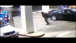 درگیری مالباخته با دو سارق در پمپ بنزین