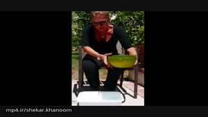 چالش آب يخ گوگوش ومسخره كردن توسط سينا