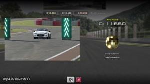 بازی کامپیوتری مسابقه اتومبیل رانی حرفه ای