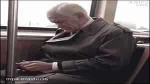 وقتی به بابابزرگت گوشی لمسی هدیه میدی