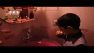 فرزند شهید مدافع حرم در اولین روز مدرسه