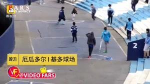 حرکت زیبای پسربچه معلول با توپ