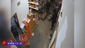 حمله سارقان نقابدار به کارگر فروشگاه با چاقو