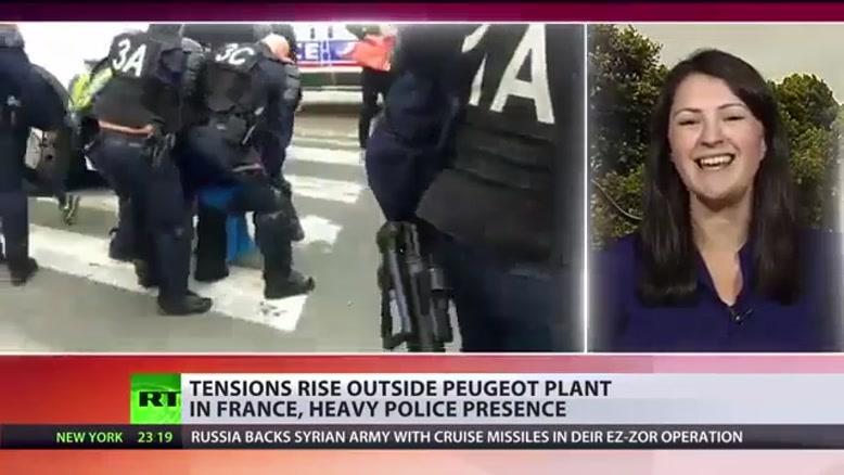 اعتراض شدید کارگران پژو در اعتراض به تعطیلی یک کارخانه