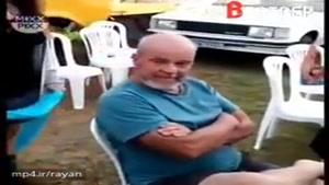 پدری که به علت مشکلات مالی ماشینش رو میفروشه و بعد از ۱۲ سال فرزنداش همونو براش هدیه میگیرن
