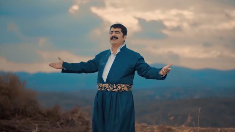 دانلود موزیک ویدئو جدید عادل هورامی به نام شنه ی شمال