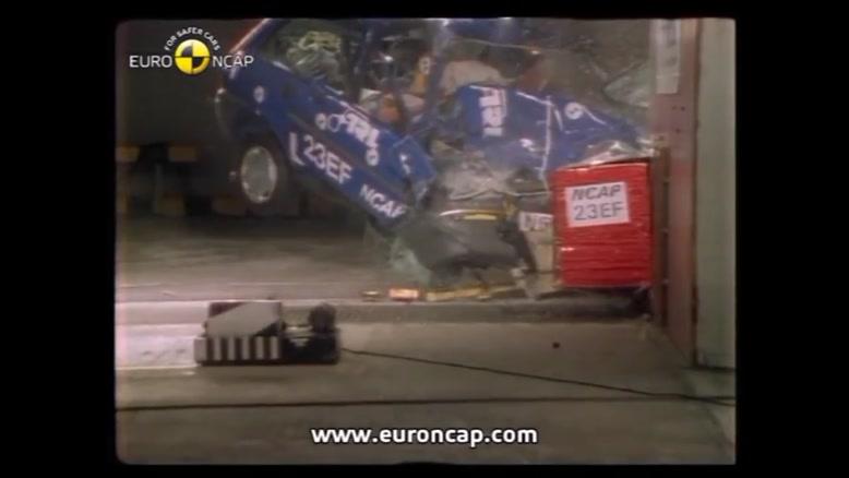 تست تصادف  با سرعت بالا ی ماشین ها