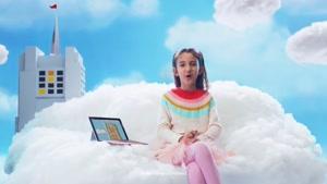 تبلیغ Surface Go مایکروسافت برای تعطیلات ۲۰۱۸