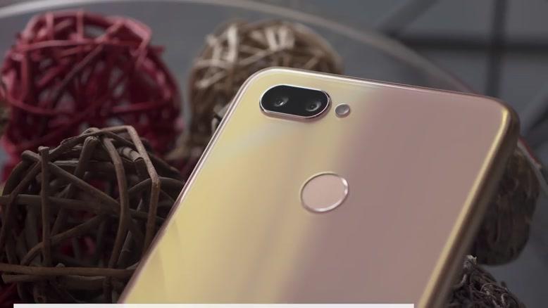 بررسی تخصصی گوشی Realme U۱