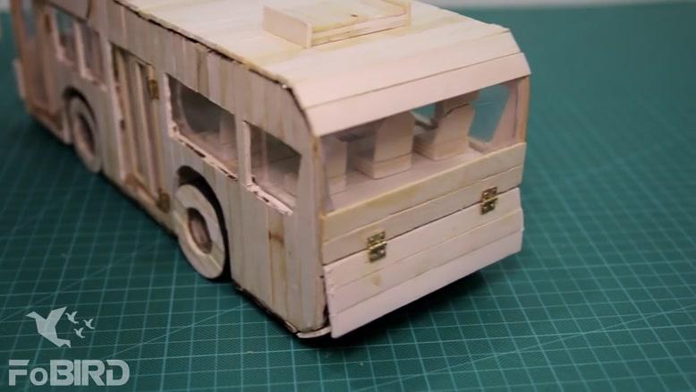 اتوبوس چوبی چراغ خواب