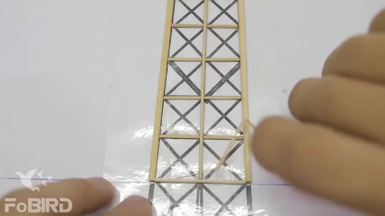 ساخت برج ایفل چوبی