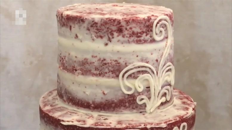 تزیین کیک با طرح برجسته