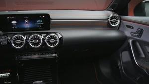 نمای  داخلی زیبا از خودرو  مرسدس بنز 2020 مدل CLA