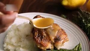 طرز تهیه مرغ سرخ شده با طعم رزماری