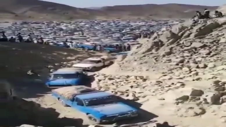 ترافیک پرحجمِ قاچاقچیان سوخت در استان سیستان و بلوچستان