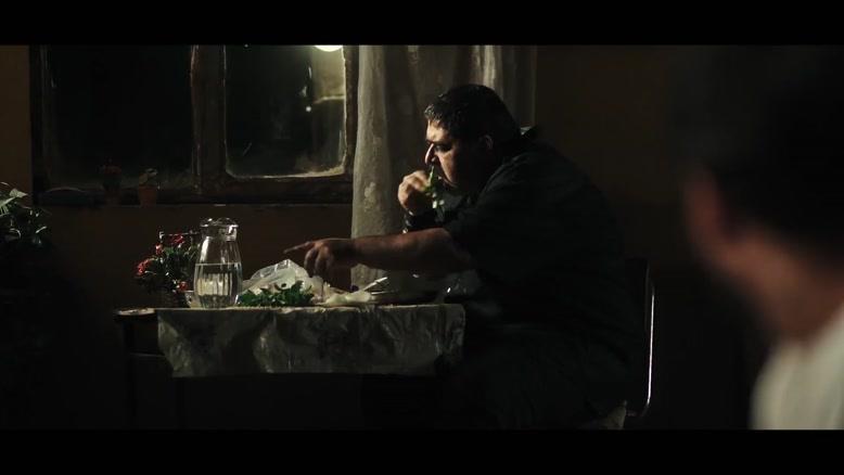 سکانس غمگین از خفه کردن خواهر در فیلم مغزهای کوچک زنگ زده