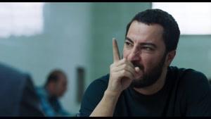 سکانس جنجالی از نوید محمدزاده در فیلم متری شیش و نیم