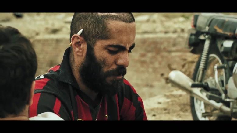 دیالوگ های بین نوید محمدزاده و نوید پورفرج در فیلم مغزهای کوچک زنگ زده