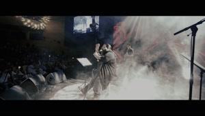 کنسرت رضا صادقی و اجرای زنده ی آهنگ همه ی اون روزا