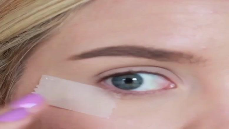 آموزش آرایش چشم با چسب نواری