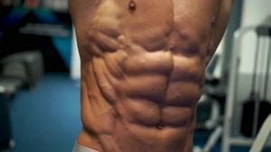 چند حرکت شکم با نمایش سیکس پک بابهترین های بدنسازی