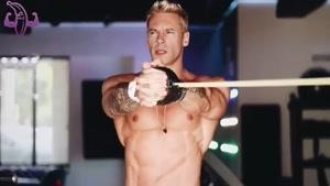 تمرینات عضلات خود را با باندهای الاستیک انجام دهید