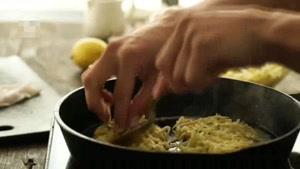 طرز تهیه کوکوی سیب زمینی همراه با ماهی