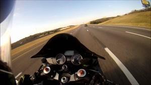 مسابقات هیجانی موتور سواری و حرکات نمایشی با موتور شماره 303