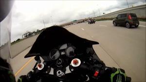 مسابقات هیجانی موتور سواری و حرکات نمایشی با موتور شماره 305