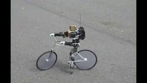 سایت دالفک حرکت شگفت انگیز ربات دوچرخه سوار