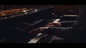 وقتی یانی با پیانو زدنش متحیرتون میکنه