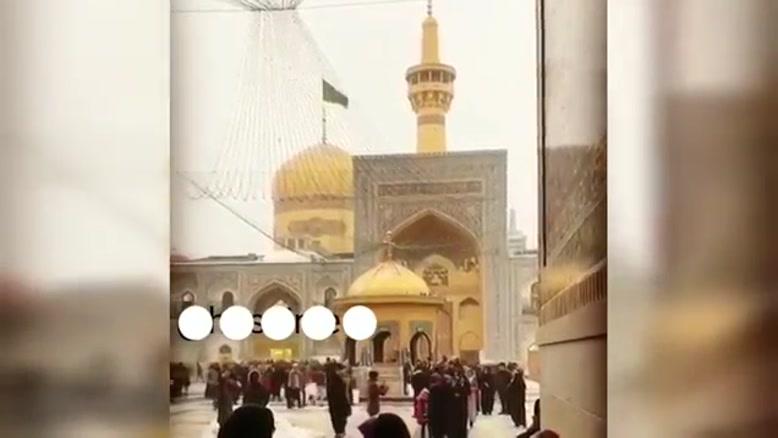 حضور بهنام بانی در حرم امام رضا و خو ندن آهنگ