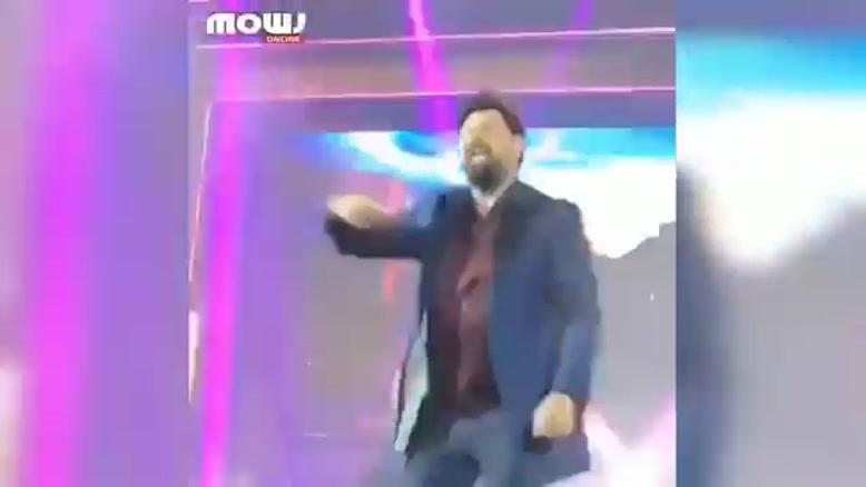 وقتی محمد علیزاده وسط کنسرتش میکروفن رو ول میکنه!😂