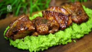 طرز تهیه پوره نخود سبز با مرغ کبابی